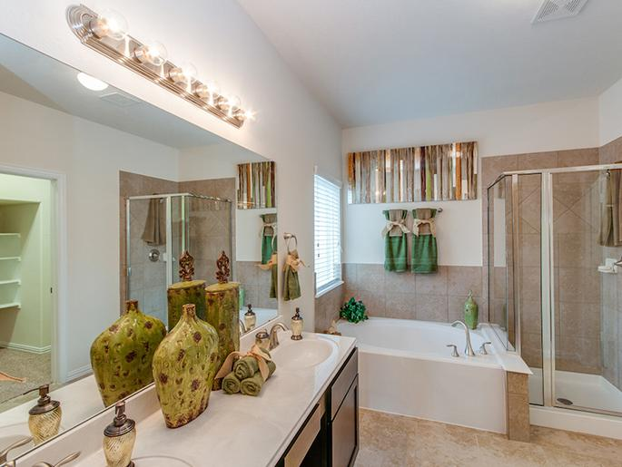 Master Bathroom (The Kempton)